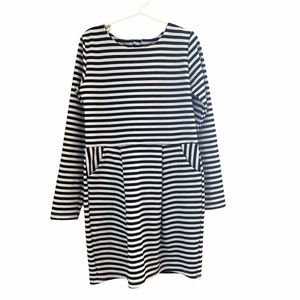 H&M Long Sleeve Dress With Pockets